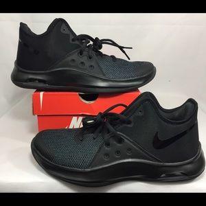 Nike Air Versatile III